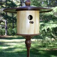 Traditional Style Songbird House